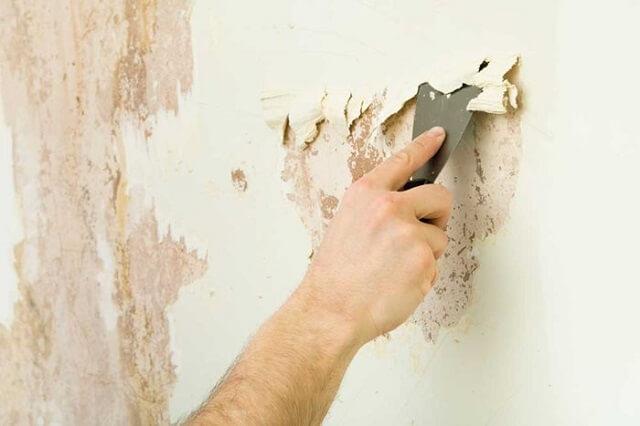 Kiểm tra bề mặt tường sơn có lỗi gì không trước khi tiến hành sơn