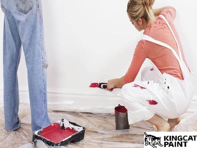 Mẹo làm sạch vết sơn bám lên quần áo